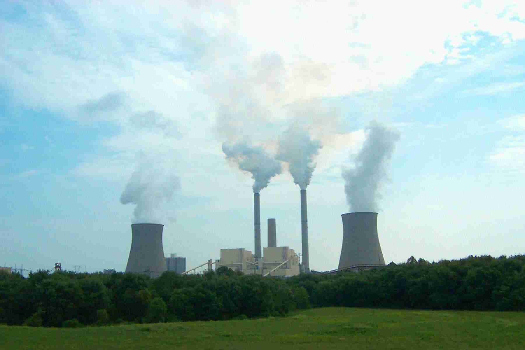 AEP's coal-fired power plant in Cheshire, Ohio releases up to 32 tons per day of sulfuric acid mist, a toxic pollutant.